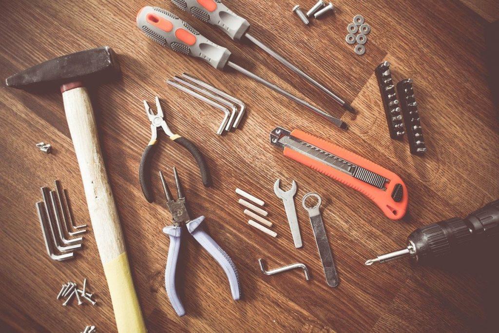 Outils de bricolage marteau perceuse cutter pour maison de jeux