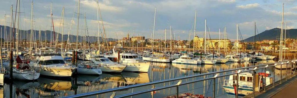 Port de Saint-Jean de Luz au lever du soleil
