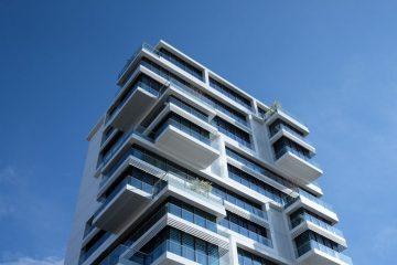 Immeuble d'habitation où optimiser les charges fixes des logements