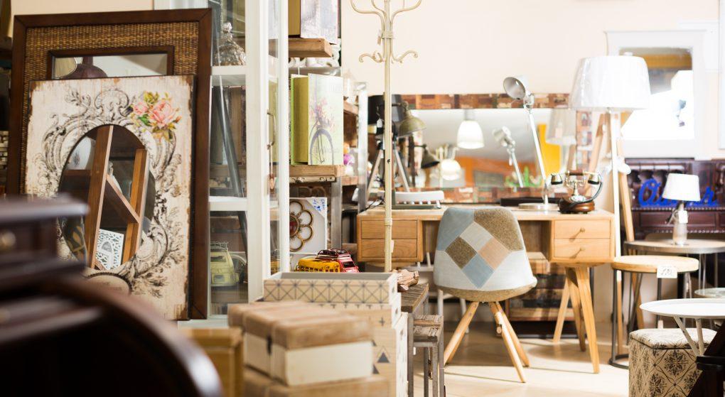 Mobilier vintage de seconde main dans pour aménager son nouveau logement