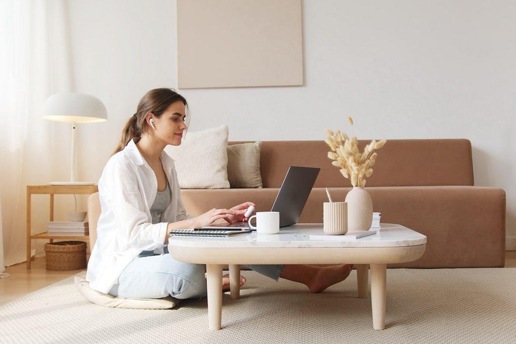 Analyser depuis son ordinateur portable les charges fixes de son logement